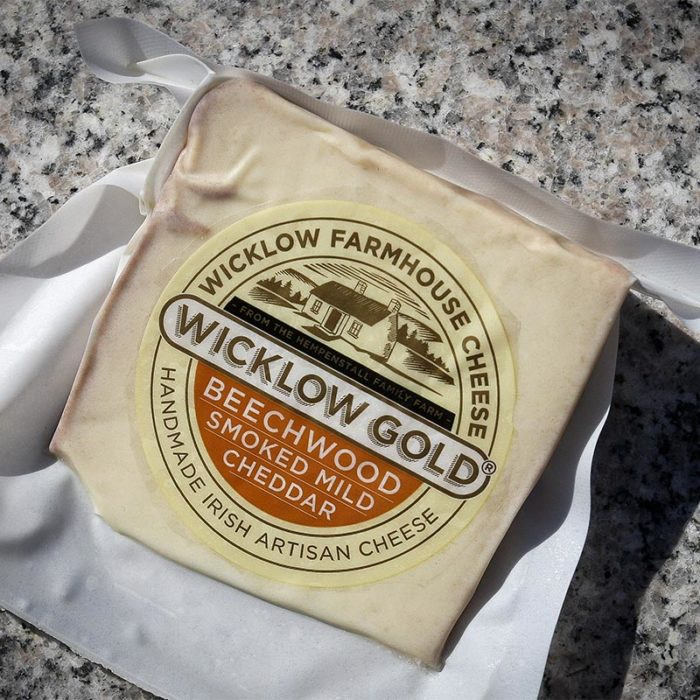 wicklow gold beechwood smoked cheddar cheese